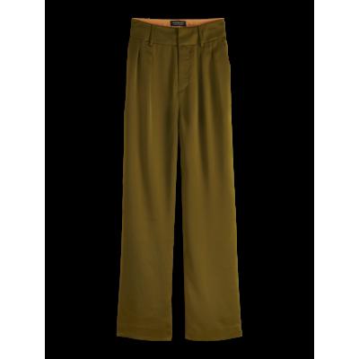 Pantalone a vita alta, Verde